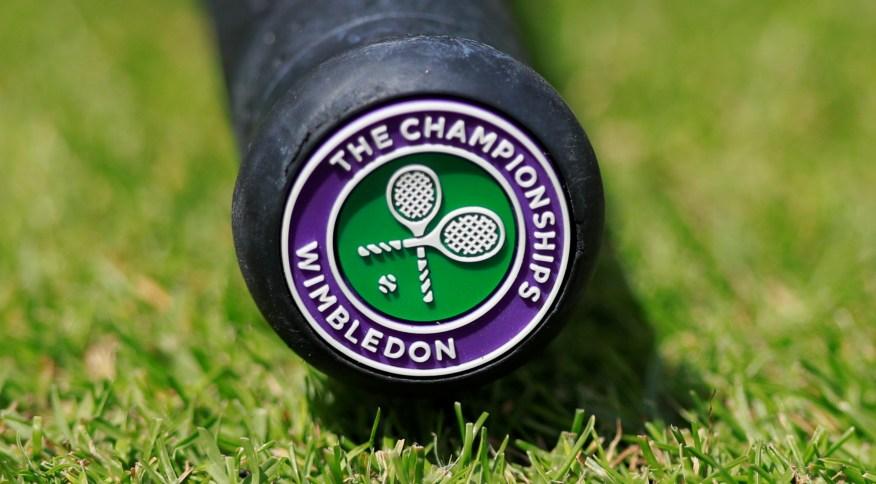 Raquete de tênis com símbolo do torneio de Wimbledon