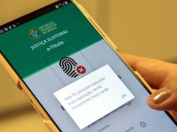 Até as 8h30 deste domingo, cerca de 400 mil eleitores já justificaram ausência pelo aplicativo
