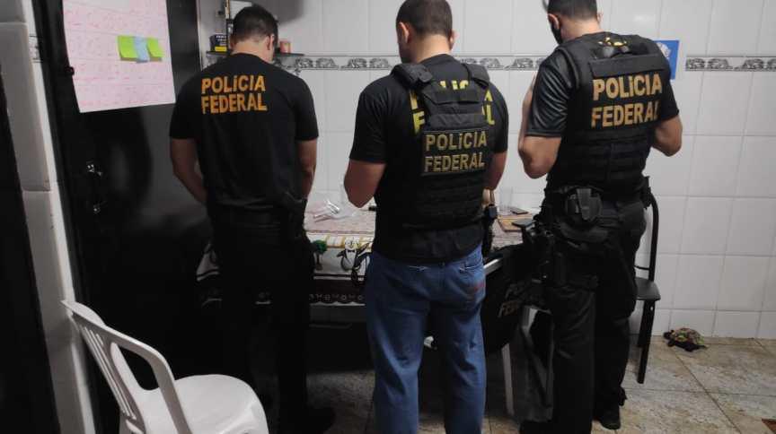 Policiais em Operação Boitatá III
