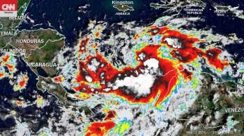 Além de mais de 30 mortes, tempestade Iota forçou cerca de 160.000 nicaraguenses e 70.000 hondurenhos a deixarem suas casas para se refugiar em abrigos