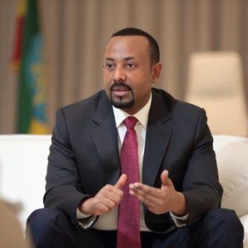 Pouco mais de um ano após receber o prêmio Nobel da Paz, o premiê da Etiópia, Abiy Ahmed, é uma figura central em uma escalada de conflitos internos