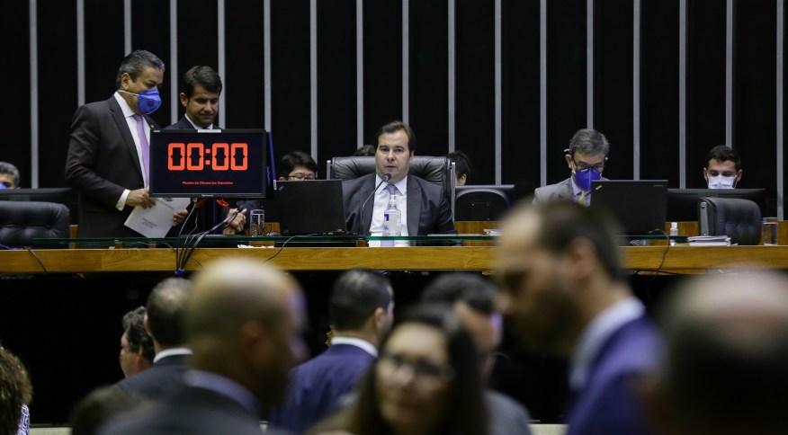 O presidente da Câmara, Rodrigo Maia (DEM-RJ), durante a sessão sobre o 'coronavoucher'