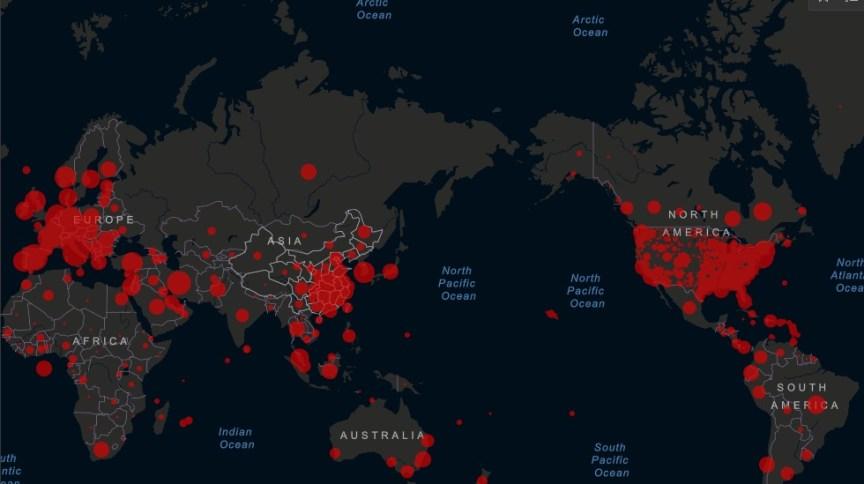Mapa de casos do novo coronavírus pelo mundo, compilados pela Universidade Johns Hopkins