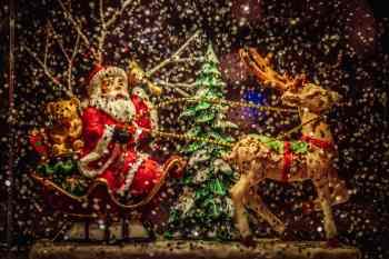 """""""Mensagem importante para crianças da Irlanda – Papai Noel está vindo e está isento das restrições de viagens causadas pelo coronavírus"""", disse ministro do país"""
