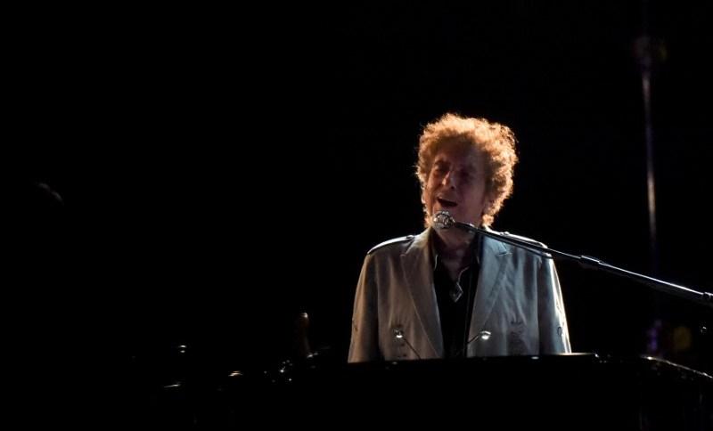 Músico Bob Dylan durante show no festival Firefly, em Dover, Delaware (EUA)