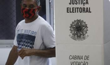 Polarização entre Bolsonaro e Lula e relevância de problemas econômicos são apelos de uma disputa que promete reverter índice crescente de abstenção