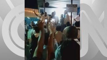 Dois mil funcionários paralisaram seus serviços e prejudicaram a locomoção de eleitores na Zona Oeste da capital fluminense