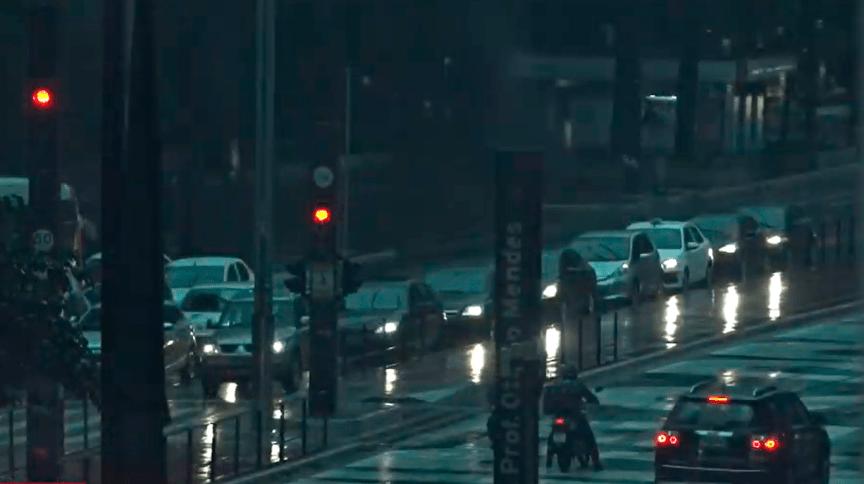 Avenida Paulista durante chuvas em São Paulo em 30/11