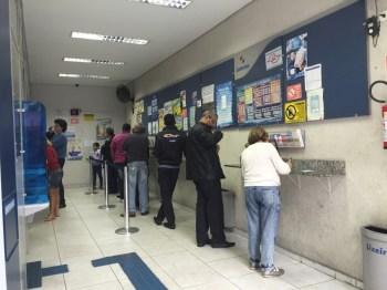 Seis dezenas serão sorteadas a partir das 20h (horário de Brasília)