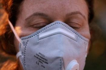 Será vetado o uso de máscaras com válvulas (qualquer modelo), protetores bucais, lenços e bandanas de pano em todos os seus voos