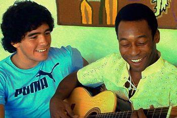 """Uma semana após a morte de Diego Maradona, Pelé voltou a prestar uma homenagem ao argentino: """"eu te amo, Diego"""""""