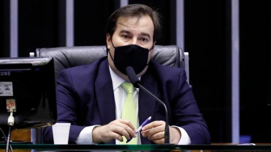Deputado Rodrigo Maia, ex-presidente da Câmara, defende que Bolsonaro vete orçamento