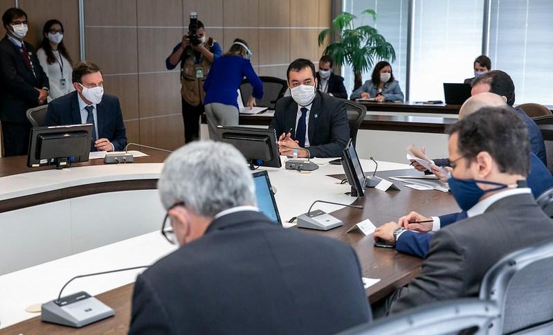 Cláudio Castro e Marcelo Crivella vão discutir novas restrições