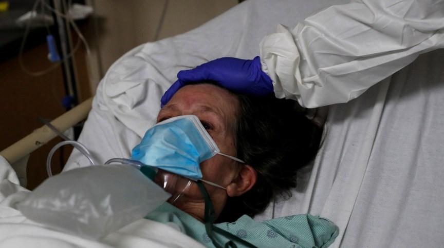 Paciente com Covid-19 é tratada em hospital de Chicago
