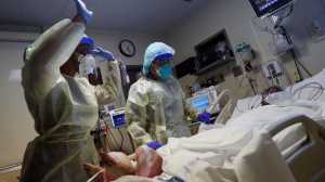 Com 675 mil mortes por Covid, EUA ultrapassam óbitos de pandemia da gripe de 1918