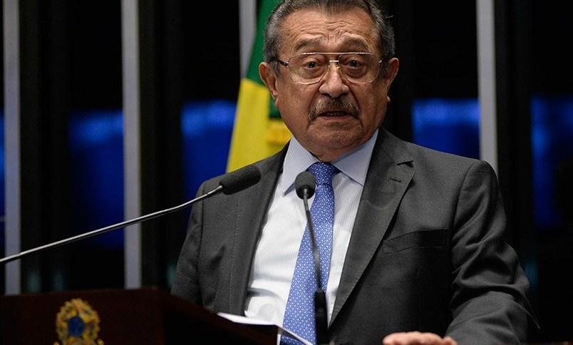 Senador José Maranhão segue sedado e intubado na UTI do Hospital Vila Nova Star