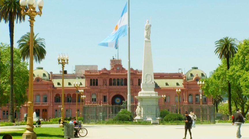 Argentina luta contra crise econômica e pandemia de Covid-19