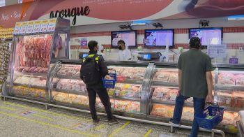 A inflação de alimentos seguiu pesando mais sobre os mais pobres em dezembro, segundo o Indicador Ipea de Inflação por Faixa de Renda