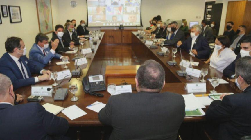 Reunião entre o ministro da Saúde, Eduardo Pazuello, e os governadores de estado
