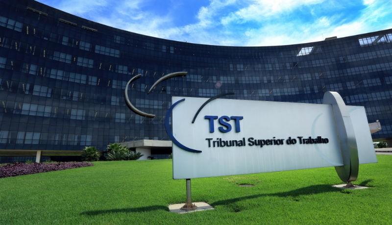 Caso chegou ao TST, que condenou laboratório ao pagamento de multa
