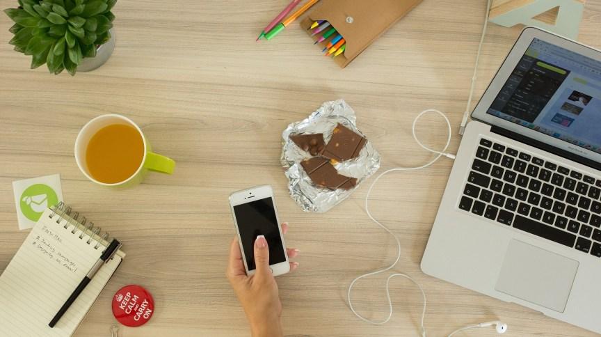 Home office: internet tem sido a principal aliada de trabalhadores informais durante a quarentena
