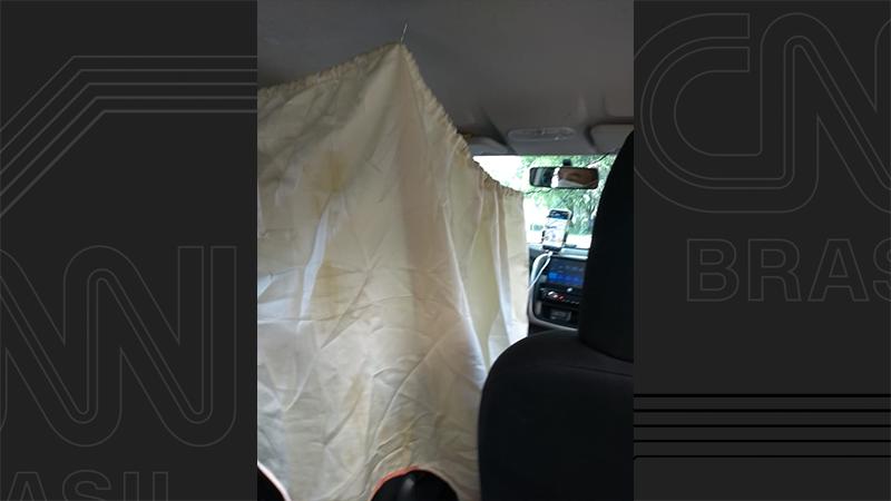 "Motorista de Uber improvisa ""cabana"""