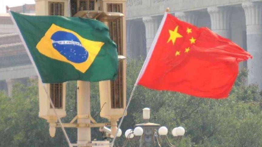 Bandeiras de Brasil e China