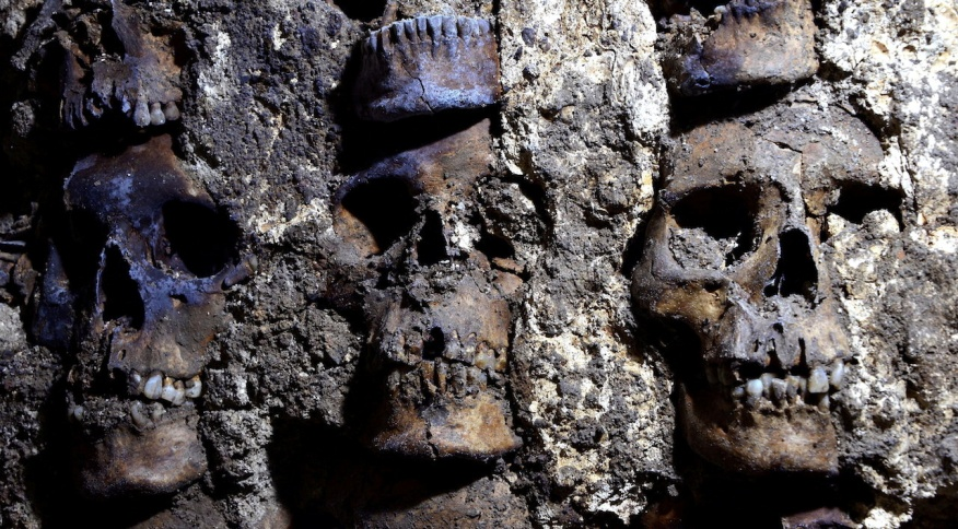 Famosa torre asteca de crânios humanos na Cidade do México