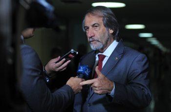 Ele estava internado há um mês no Hospital Português do Recife; Cadoca deixa quatro filhos e uma neta