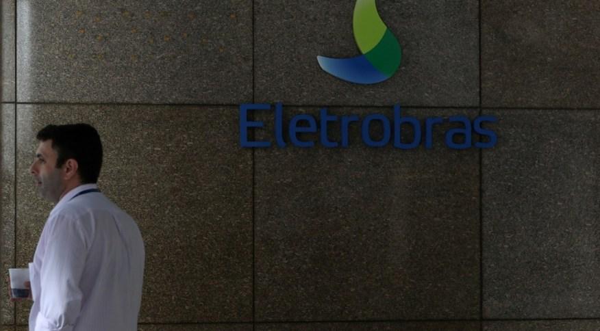 Fachada da sede da Eletrobras: analistas estão animados e desconfiados com privatização