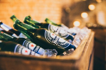 O volume consolidado de cerveja sofreu um declínio orgânico anual de 8,1%