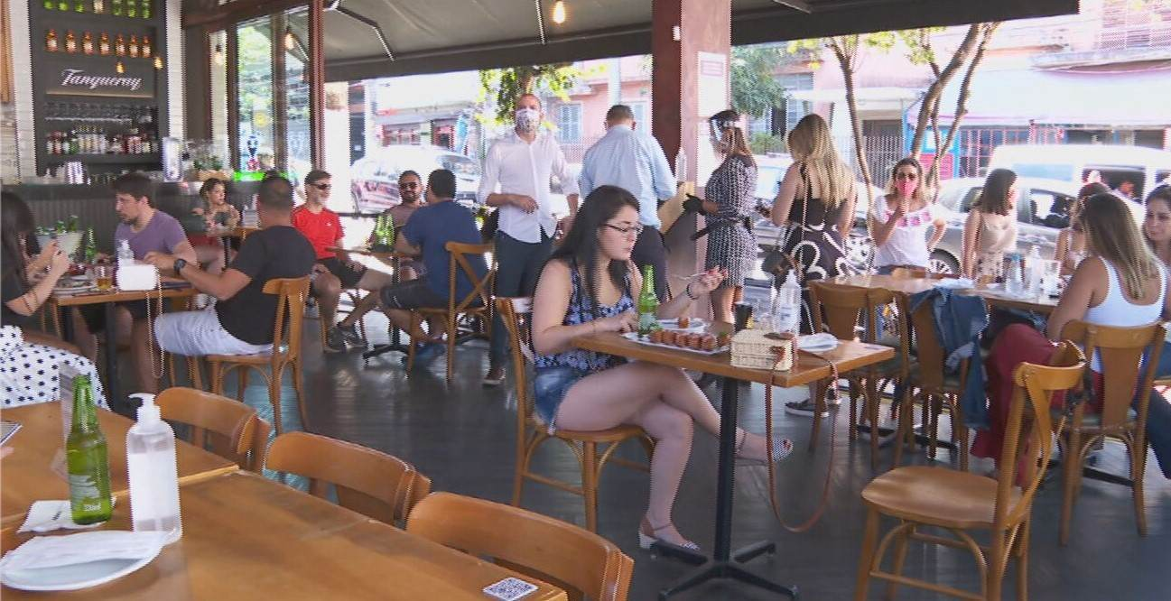 Pernambuco restringe público no setor alimentício