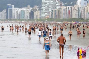 Em entrevista à CNN, Paulo Alexandre Barbosa (PSDB) disse que decisão de fechar as praias no dia 31 e 1º é mais restritiva do que as impostas pelo estado