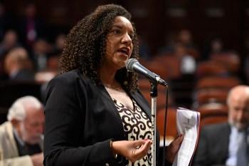 Denúncia foi feita contra uma pessoa que ameaçou a vida da parlamentar e mencionou o nome da vereadora Marielle Franco, assassinada em março de 2018
