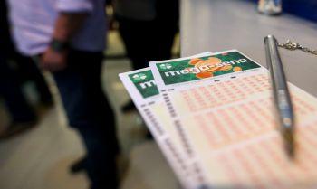 As apostas podem ser feitas até as 19h nas lotéricas de todo o país ou pela internet, no site da Caixa