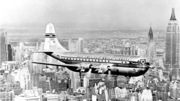 Boeing 377 Stratocruiser do final dos anos 1950 era a síntese do luxo, acomodando até 100 passageiros para um turismo nos céus