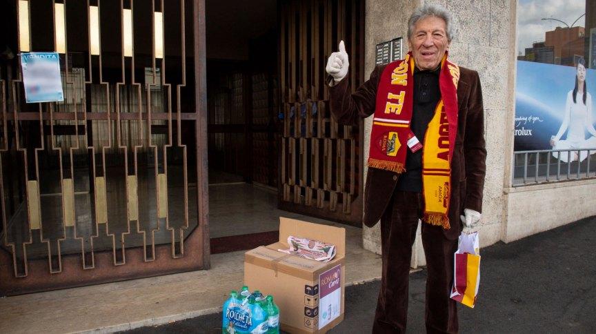 AS Roma doou kits de proteção contra coronavírus para torcedores com mais de 75 anos
