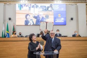 Após a cerimônia, Greca realizou coletiva de imprensa onde falou sobre a vacinação contra a Covid-19 em Curitiba