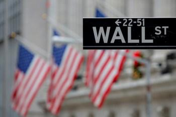 Investidores digerem os últimos dados da economia americana e ponderam os impactos da disseminação da variante delta
