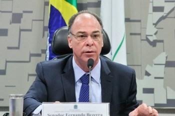 A pedido do presidente Jair Bolsonaro (sem partido), senador Fernando Bezerra (MDB-PE) telefonou para integrantes da CPI da Pandemia