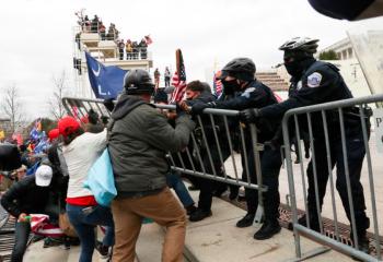 Em coletiva, o FBI admite que sabia dos riscos das manifestações com antecedência