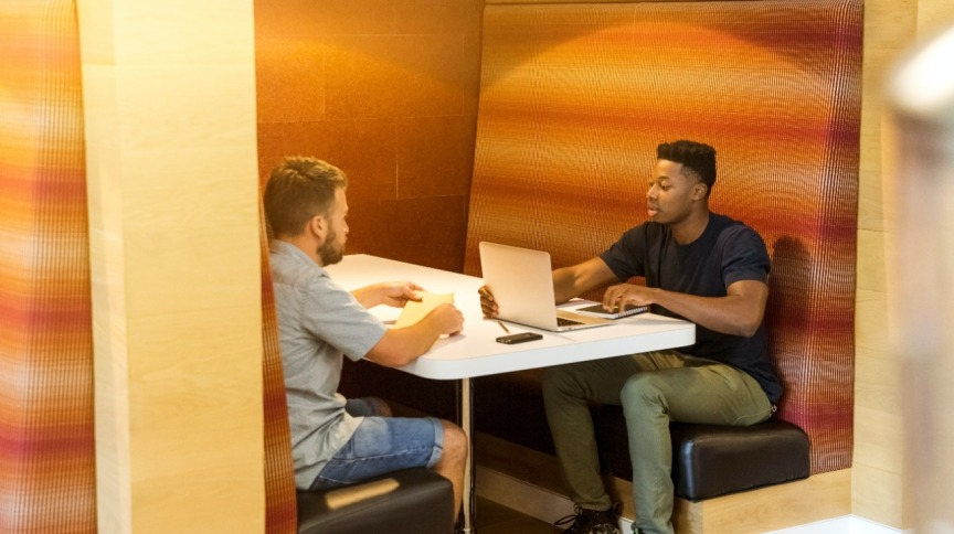 Nova lei proíbe a exigência de experiência profissional prévia para estagiários no RJ