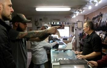 Governo zerou a alíquota do imposto aplicado para a importação de revólveres e pistolas