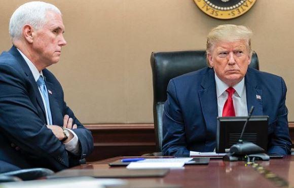 Reunião entre Mike Pence e Donald Trump no início de 2020