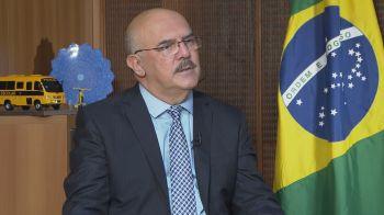 Milton Ribeiro disse a deputados ter aberto mão de conhecer previamente as questões