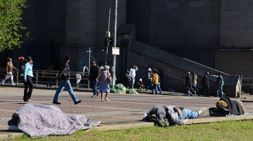 Pessoas em situação de rua na região central de São Paulo