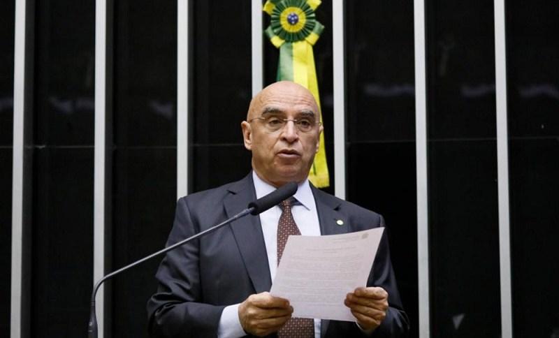 Deputado Mário Heringer discursa na Câmara