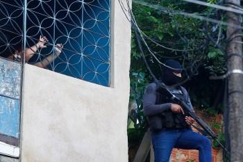 Polícia descarta ligação de homem 'entregue e torturado por traficantes' no caso do desaparecimento de Lucas Matheus, Alexandre da Silva e Fernando Henrique