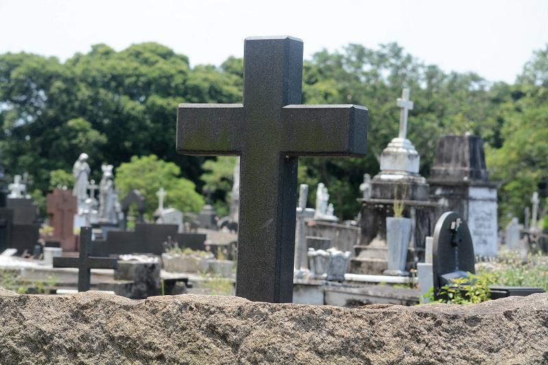 Cemitério São Francisco Xavier, no Caju, zona Norte do Rio de Janeiro