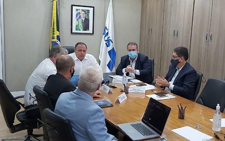 Ministro Eduardo Pazuello se reúne com mais de 130 prefeitos para discutir vacinação contra a Covid-19